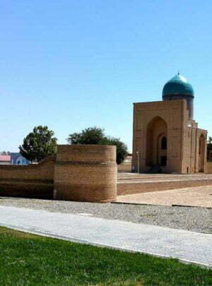 Bibi-Khanum-Mausoleum