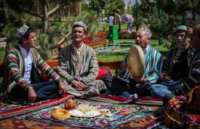 Uzbek clothes